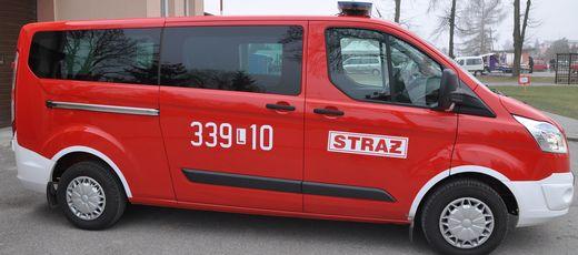 Nowy samochód Ochotniczej Straży Pożarnej w Niedrzwicy Dużej